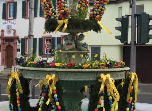 Einfach schön: Der Osterbrunnen in Schwabenheim. (Bild: privat)